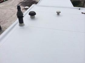 Kunststof dak gemonteerd aan de Jasmijnstraat te Enschede